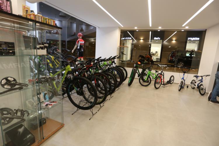 NuestProyec-EdifcNoResid-0-Tienda-bicicletas-Santa-Pola-VIII