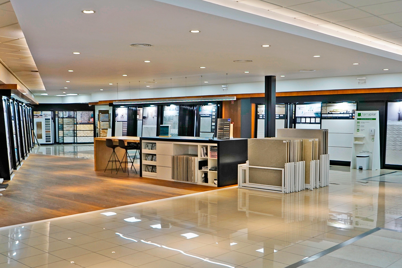 Mesa de venta para materiales y porcelánicos