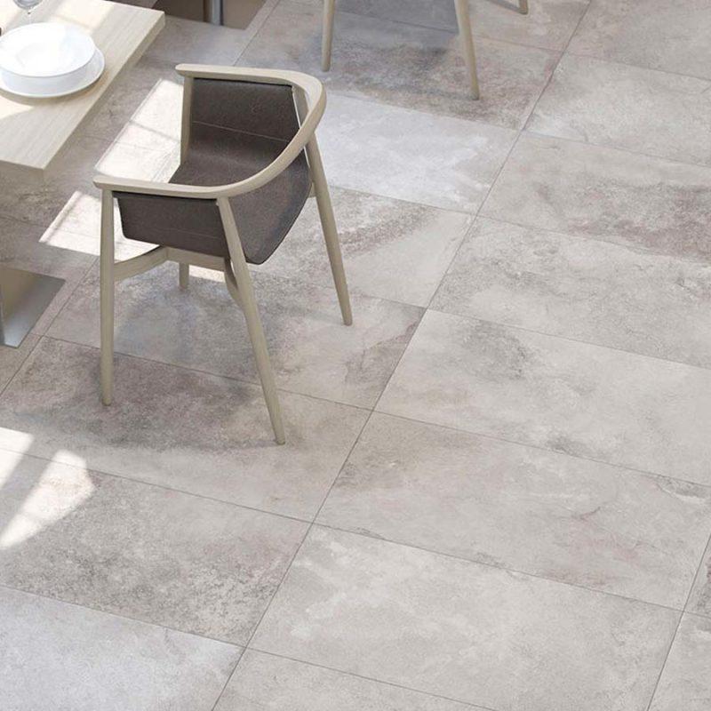 azulejos y pavimentos acabados en mármol que aportan clase y distinción
