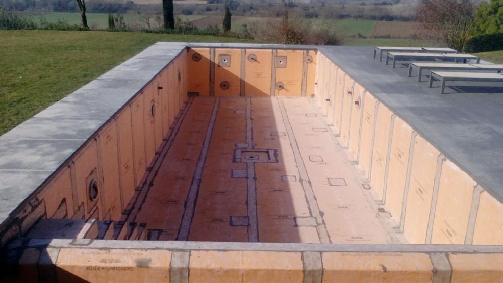 Consejo pro 117 piscina en construcción